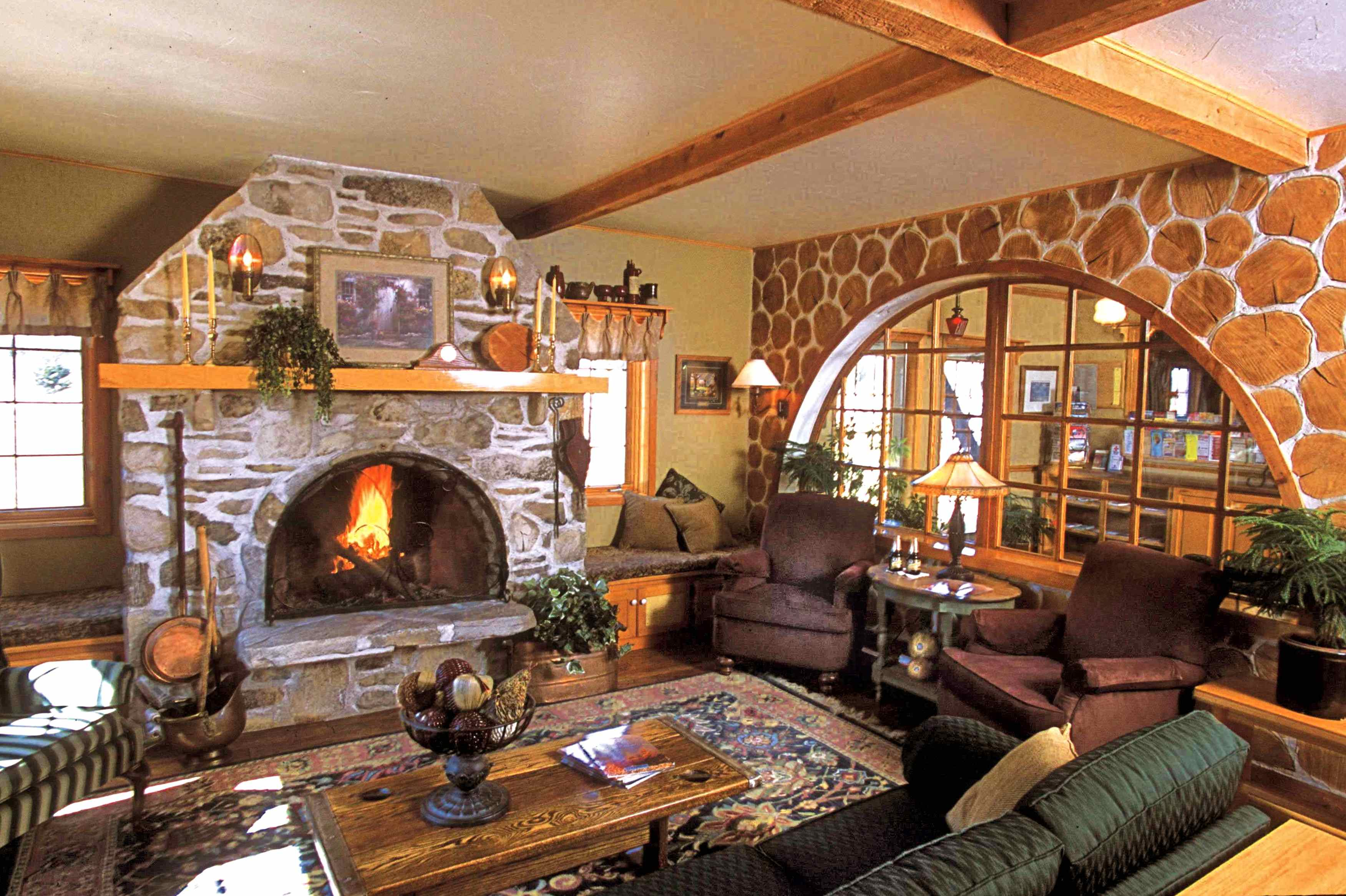 Fish Creek Wi lodging, Settlement Courtyard Inn and Lavender Spa lobby, Door County